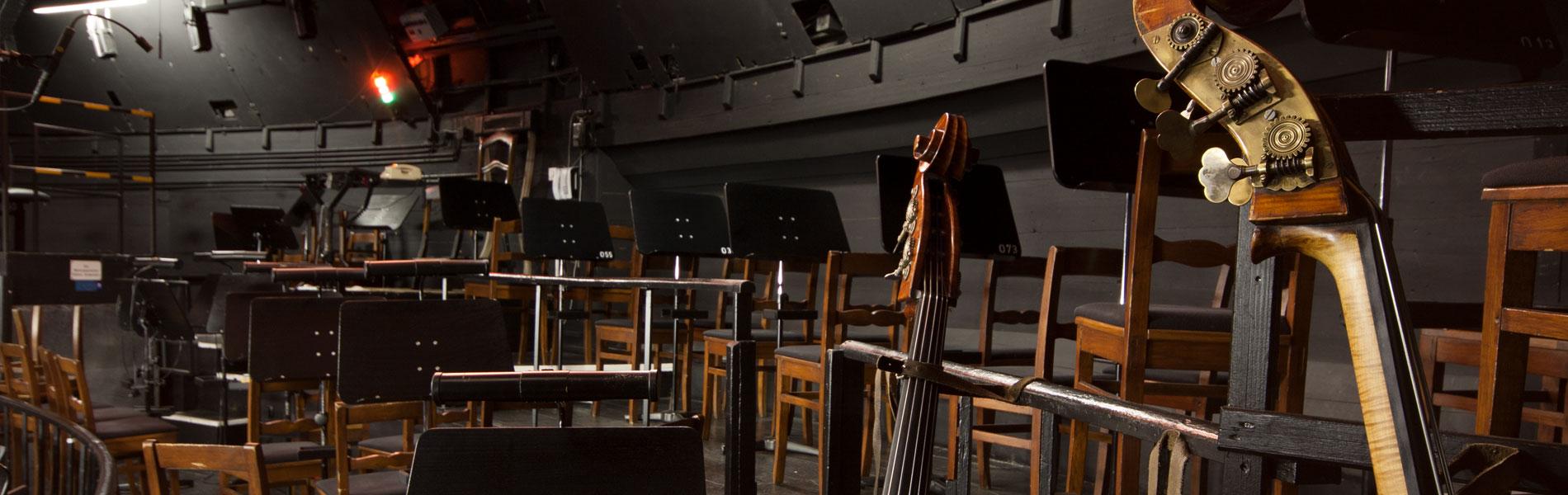 Im Orchestergraben des Festspielhauses